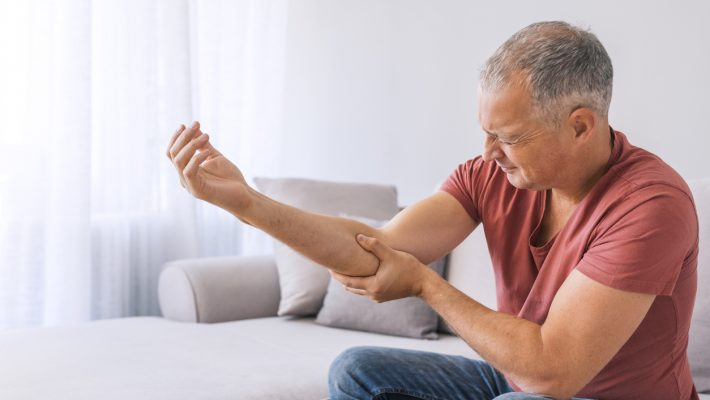 Does Tennis Elbow Require Surgery?
